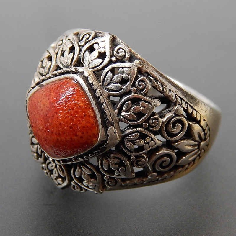 VINTAGE SPONGE CORAL LOTUS FLOWERS STERLING SILVER RING - SIZE 8.75