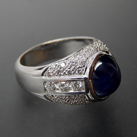 18KT White gold 5.18 Ctw sapphire cabochon and 1.25 Ctw diamonds ring - size 7