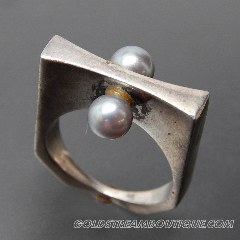 VINTAGE EUROPEAN GREY PEARL STERLING SILVER BOLT DESIGN MODERNIST RING - SIZE 6.5