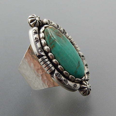 Handcrafted turquoise sterling silver hammered shank wide ring - size 7