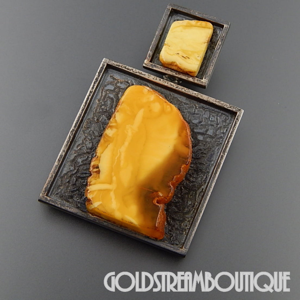 UNIQUE SIGNED BY THE ARTIST 925 SILVER MODERNIST PENDANT WITH EGG YOLK AMBER