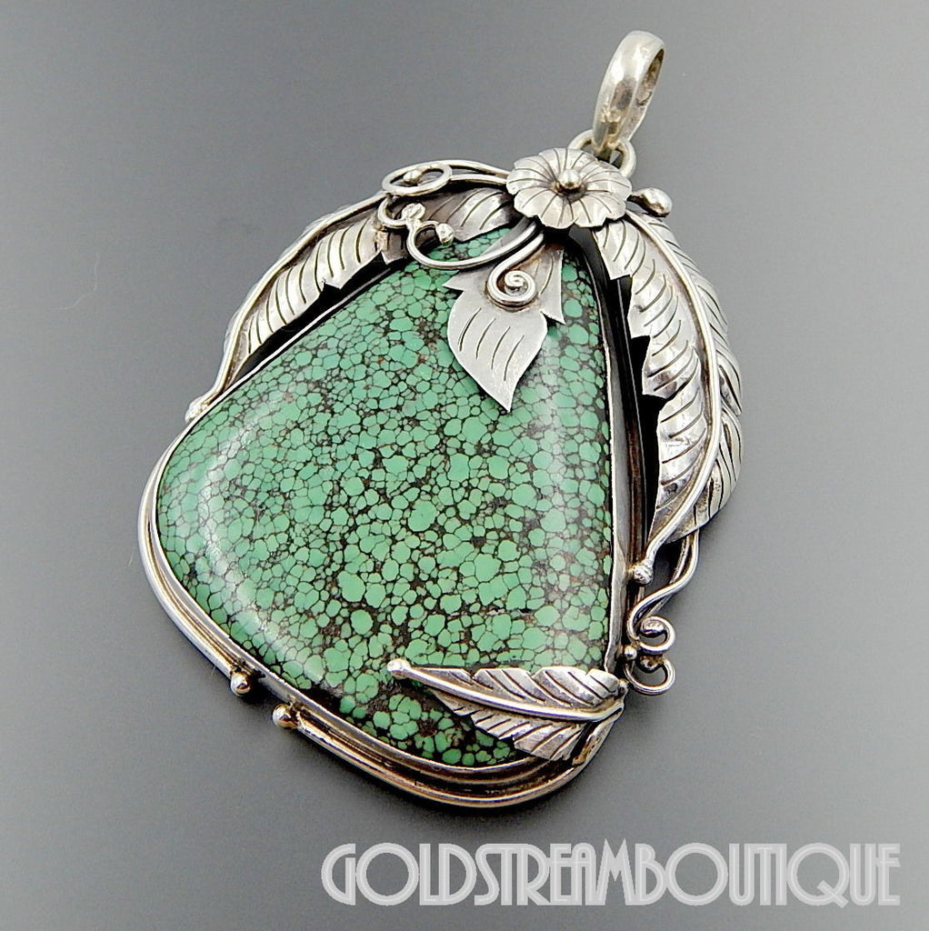 NATIVE AMERICAN VINTAGE NAVAJO STERLING SILVER HUGE GREENISH SPIDERWEB TURQUOISE FLORAL PENDANT