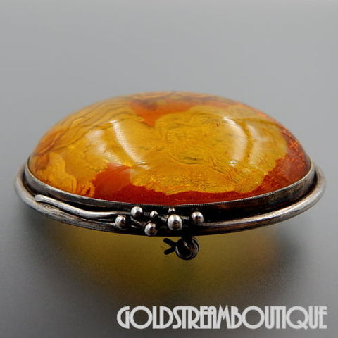 1970'S STERLING SILVER REVERSE INTAGLIO CARVED LADY WITH PEARLS OVAL AMBER PIN