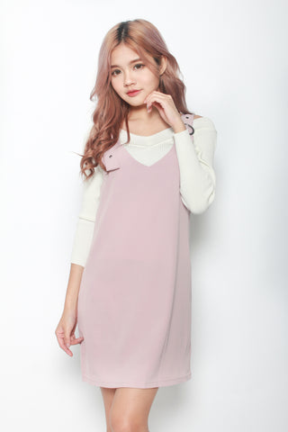 BUCKLE DRESS IN DUSTY PINK