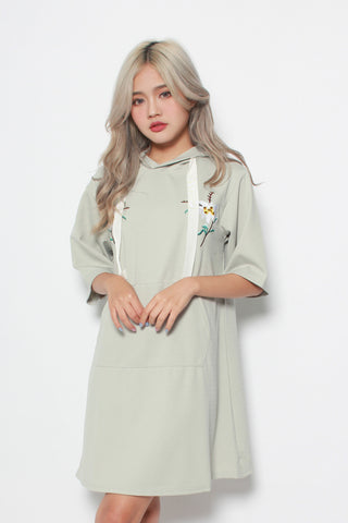 CALEIGH FLORAL EMBRODERY OVERSIZED HOODIE DRESS IN MINT
