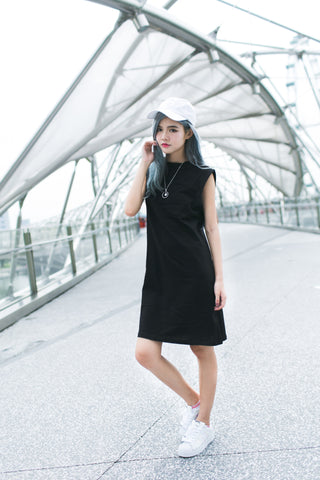 BASIC HIGH NECK LONG TEE DRESS IN BLACK