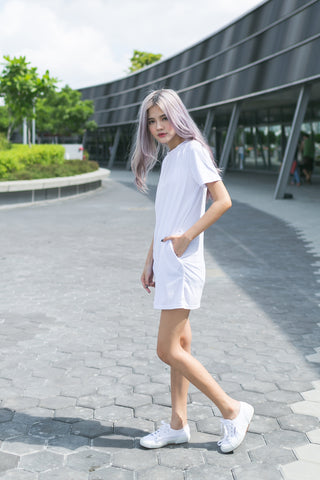BASIC POCKET TEE DRESS IN WHITE