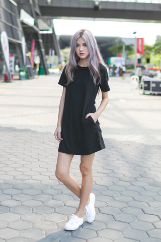 BASIC POCKET TEE DRESS IN BLACK