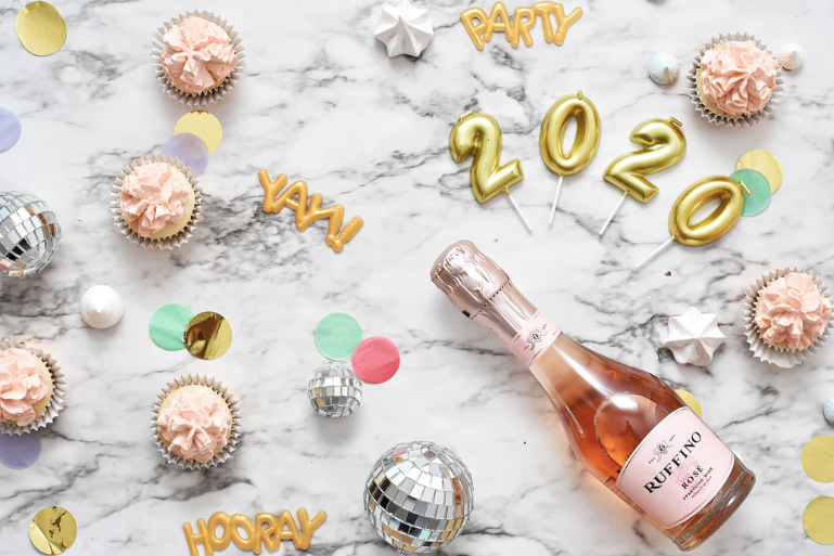Your Guide to Making a 2020 New Year's Resolution and Actually Keeping It