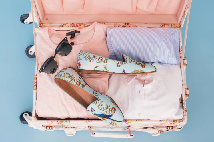 social sunday travel packing hacks