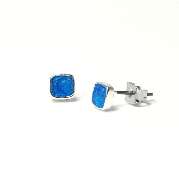 Tiny squares stud earrings