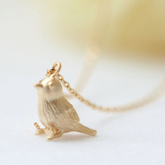 Little Sparrow Necklace in gold
