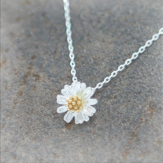 Tiny Silver Daisy Necklace