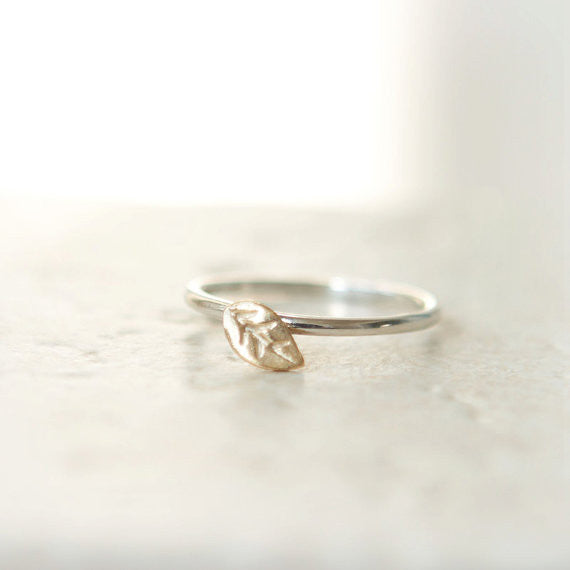 Tiny leaf ring in sterling silver