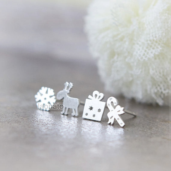Holiday studs / set of 4 pieces