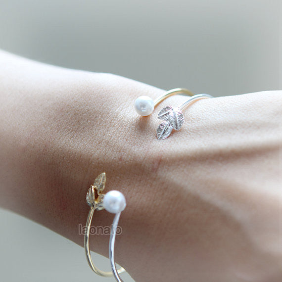 Leaf and Pearl Bangle