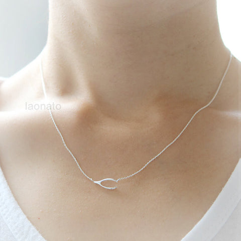 Wire Bar Necklace in 925 sterling silver