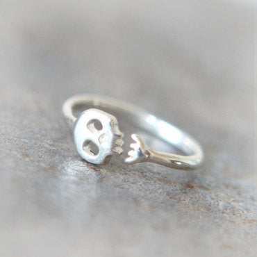 Cute Skull ring in sterling silver