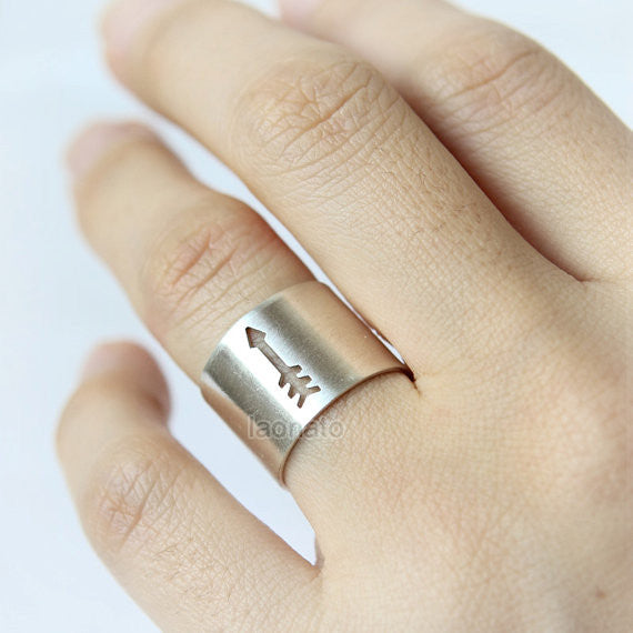 Arrow Cut out Band Ring in 925 sterling silver