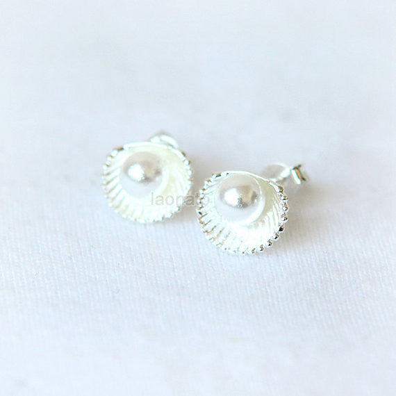 Pearl and Seashell Earrings / shell earrings