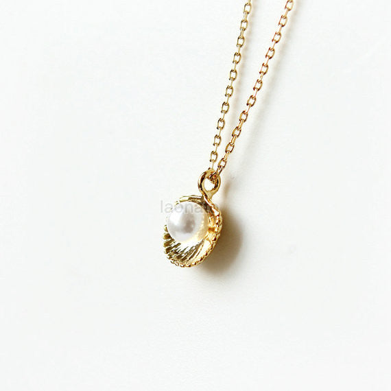 Pearl and Seashell Necklace