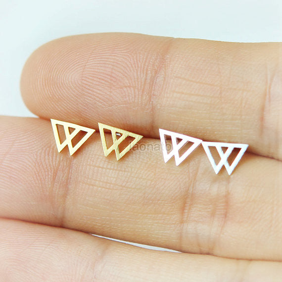 Tiny Double Arrows earrings / triangles stdus