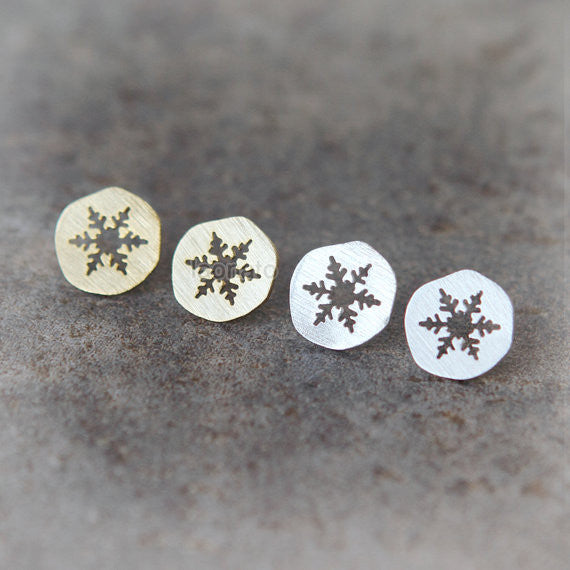 Cutout Snowflake Earrings
