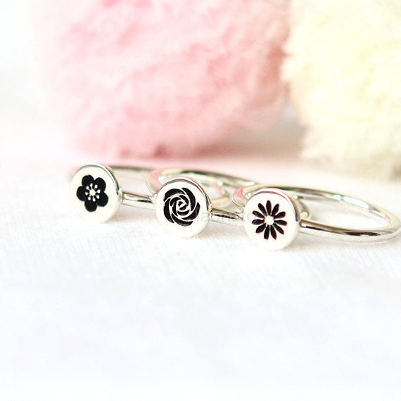 Flower Icon Ring in 925 sterling silver / rose, daisy, cherry blossoms