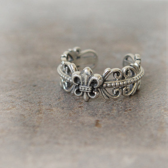 RN001 Antique Symbol Ring in sterling silver