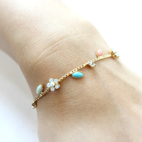 Double Strand Daisy Leather Bracelet / flower leather bracelet, daisy bracelet