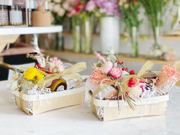 The Perfect Holiday Dried Flower Home Gift Sets - Shipping