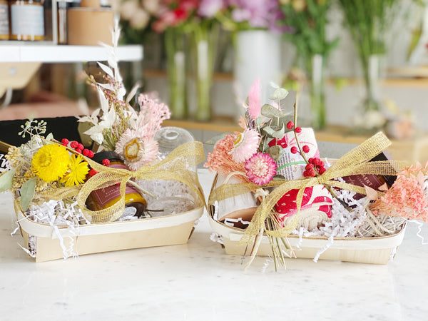 The Perfect Holiday Dried Flower Home Gift Sets