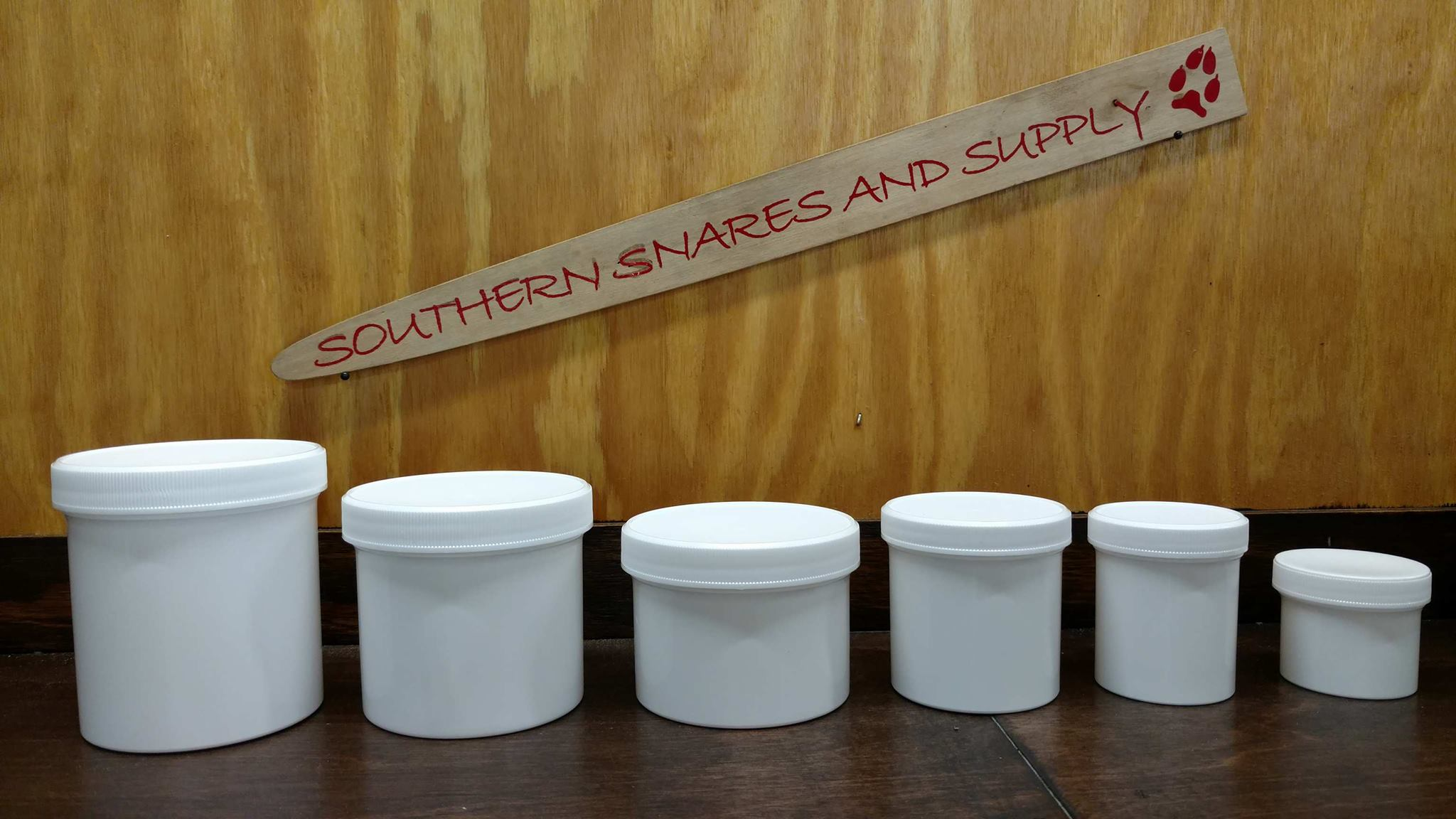 WHITE PLASTIC JARS - Southern Snares & Supply
