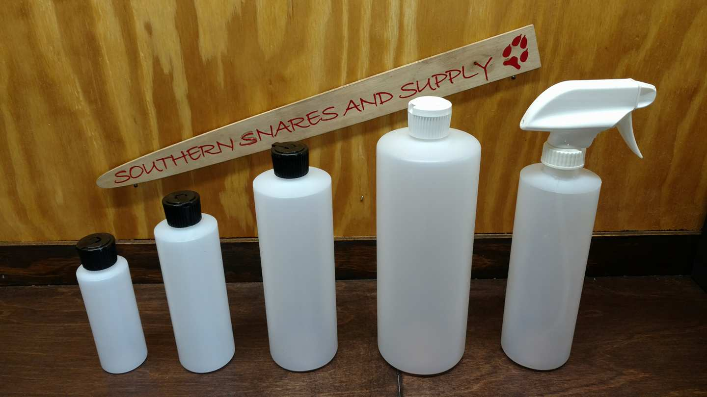PLASTIC BOTTLES WITH SQUEEZE LIDS - Southern Snares & Supply