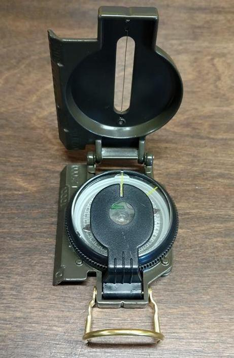 MILITARY STYLE COMPASS
