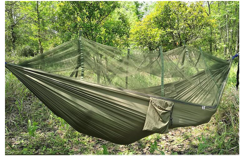 SURVIVAL/CAMPING HAMMOCK WITH BUG GUARD