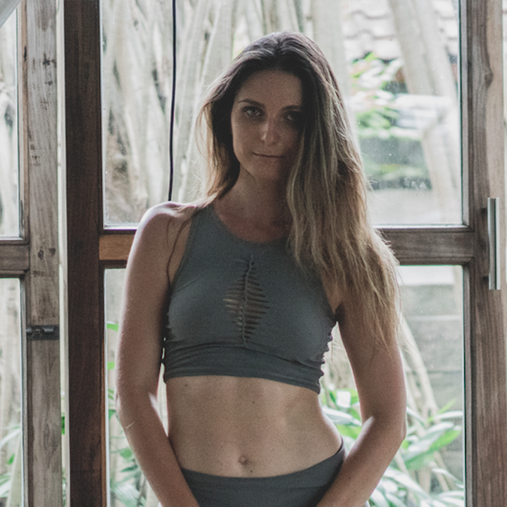 Mia Top in Stone Grey