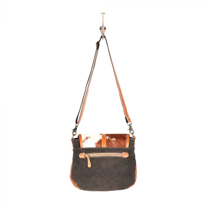 FLAPPY THINGY SHOULDER BAG