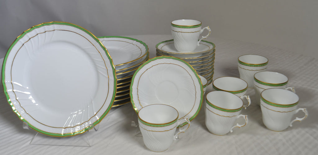 Richard Ginori, 33-Piece Gilt Demitasse Set, Service for 8