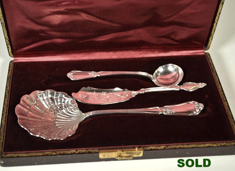 Louis Ravinet and Charles Denfert, and Henin and Cie Sterling Silver Serving Pieces Set