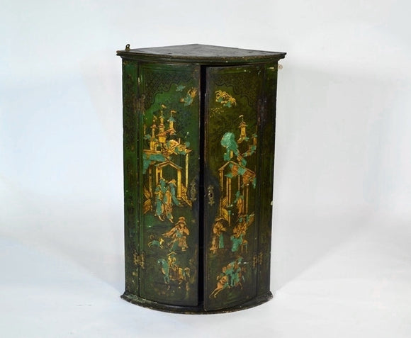 George III Green-Lacquered Hanging Corner Cabinet