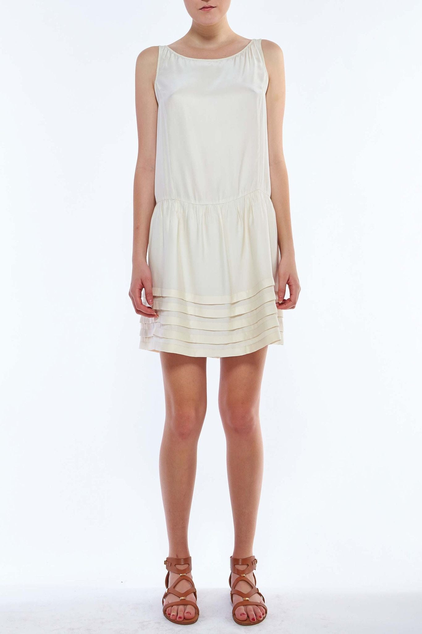 D307 SLOANE SHORT DRESS WITH HORIZONTAL PLEATS PEARL