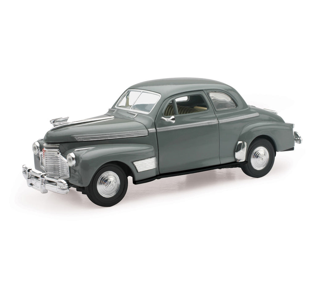 1:32 Scale 1941 Chevrolet Special Deluxe 5 Passenger Coupe