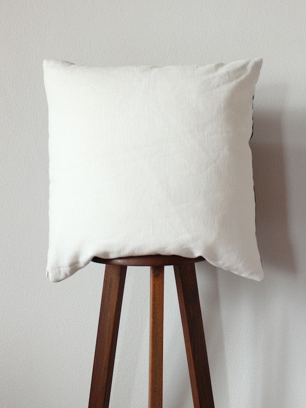 Doi Cushion