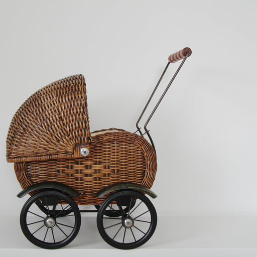 Vintage style 1950s wicker dolls pram - Tea and Kate