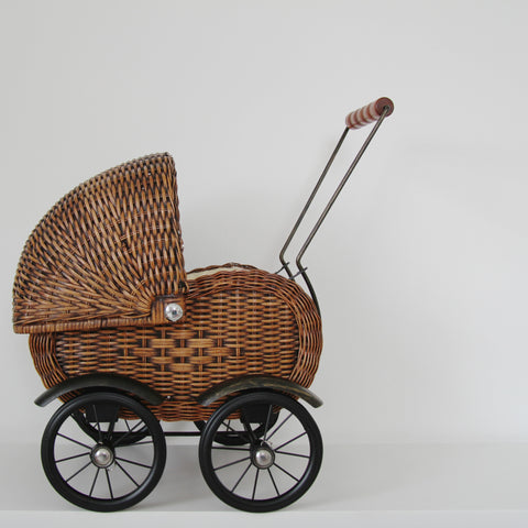 *Back in stock Vintage style 1950s wicker dolls pram
