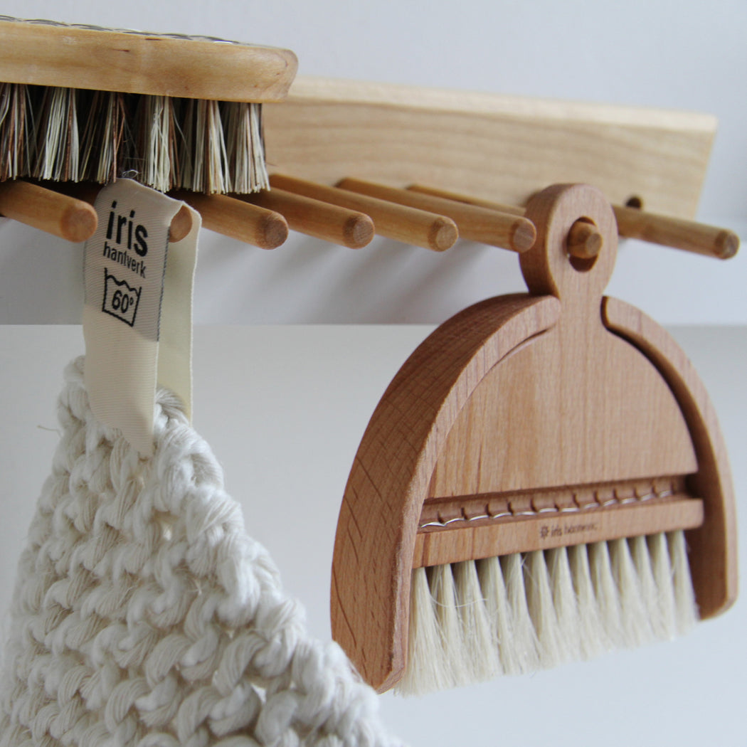 Iris Hantverk table brush set - Tea and Kate