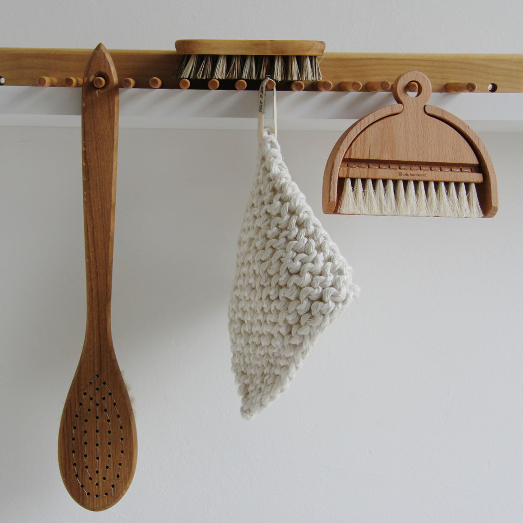 Iris Hantverk vegetable brush - Tea and Kate