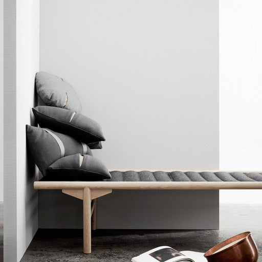 Daybed w. black leather, 80X180 CM, black - Tea and Kate