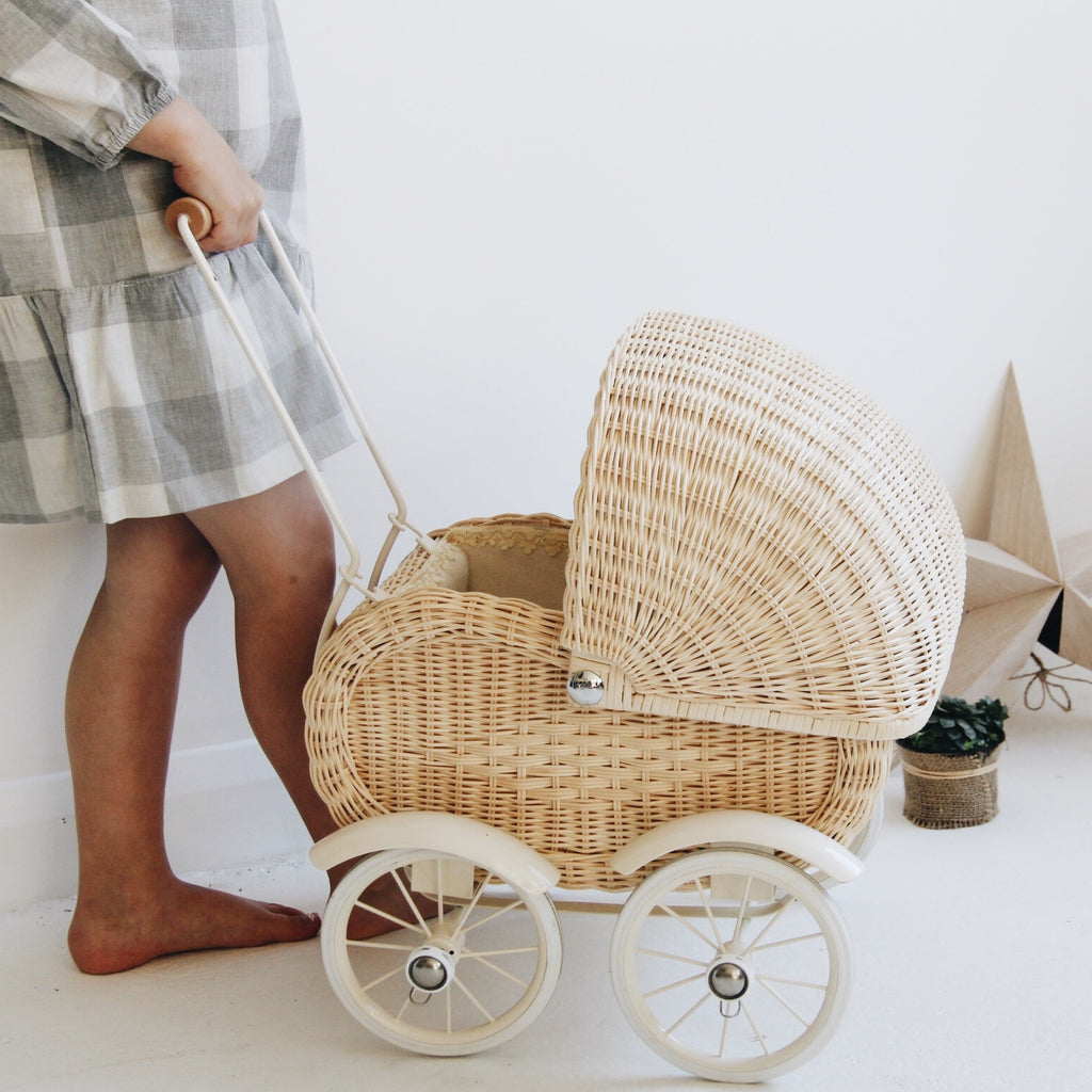 Vintage Style 1950s Cream Wicker Dolls Pram Tea And Kate